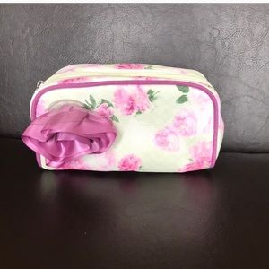 Jessica Simpson floral cosmetic bag